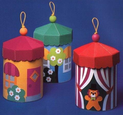 Подарок своими руками из картона и цветной бумаги