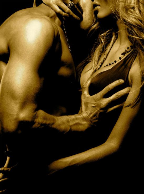 Откровенные фото женщин и мужчин