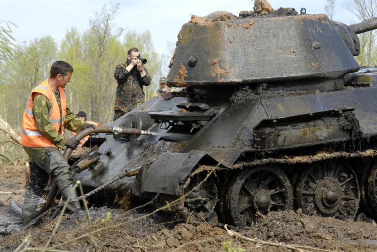 "Gallery.ru / фото #196 - поднятие танка ""смелый"" - magister7."